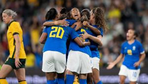 Jogadoras da Seleção Brasileira comemoram empate contra Austrália
