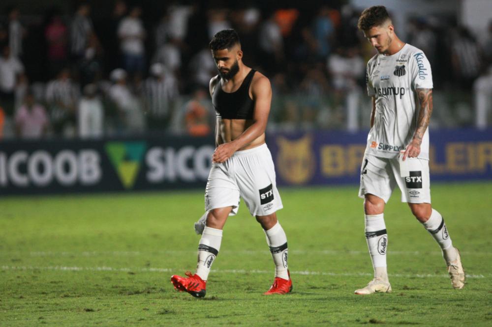 Jogadores do Santos lamentam derrota para o América-MG