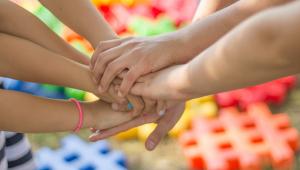 Puberdade precoce em crianças pode afetar infância; entenda