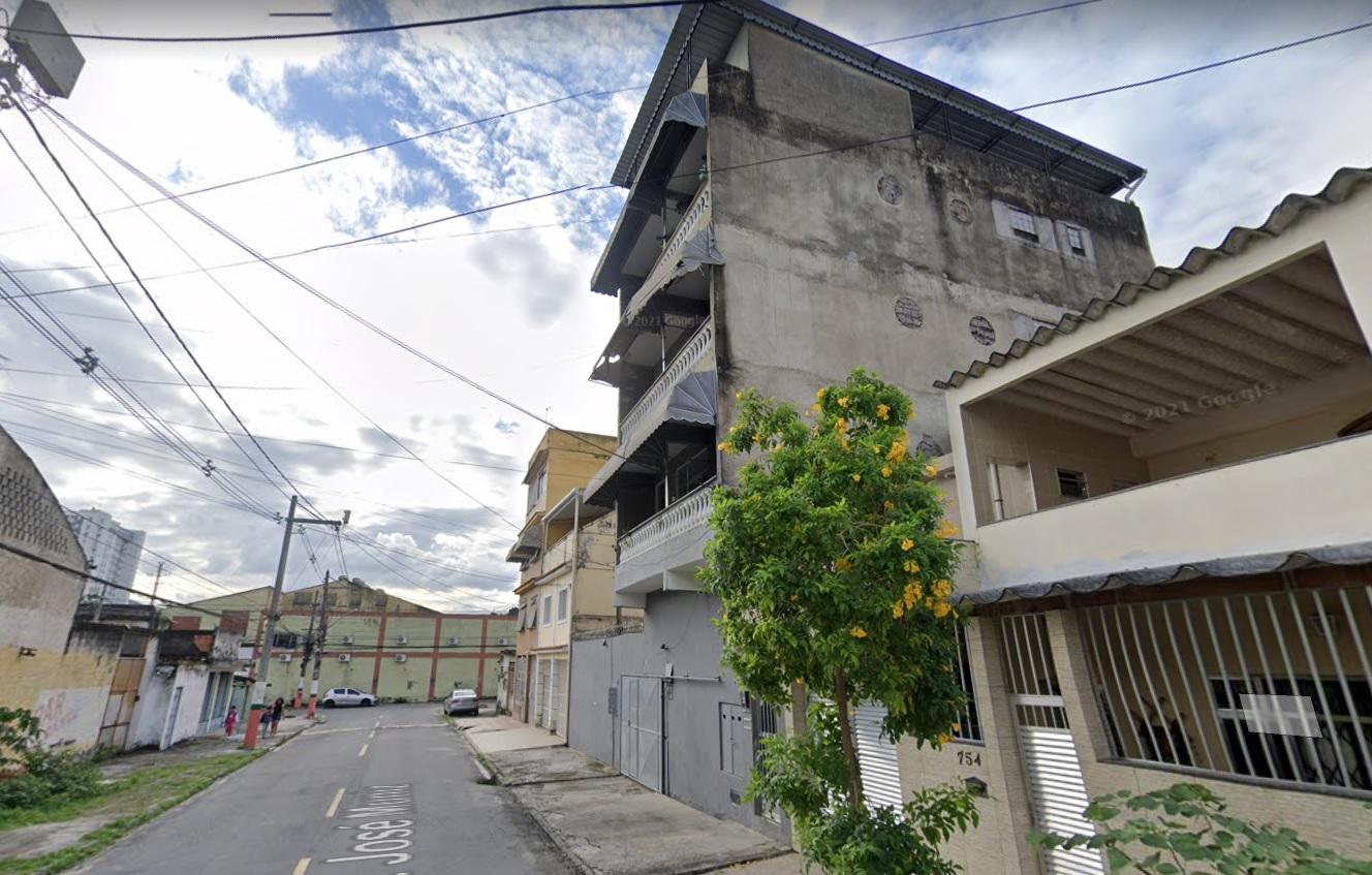 Fachada de prédio de três andares em Nilópolis