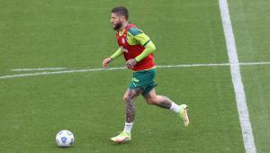 O jogador Zé Rafael, da SE Palmeiras, durante treinamento, na Academia de Futebol